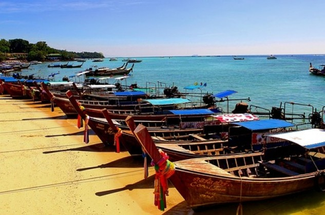 Top 10 things for Multi generational travelers to do in Thailand